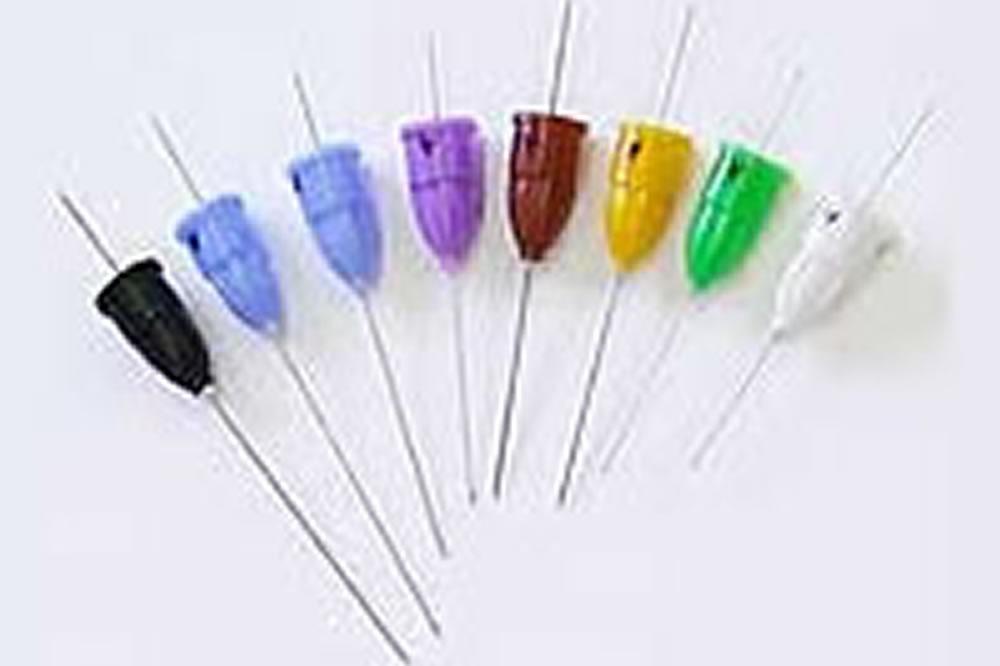極小の注射針